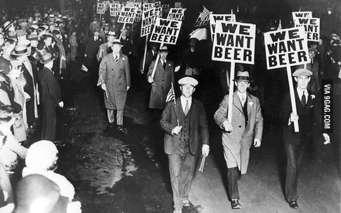 Κι όμως το αλκοόλ κάποτε ήταν παράνομο. Το κράτος πάντα θέλει να καθορίζει την αυτοδιάθεση των ανθρώπων.